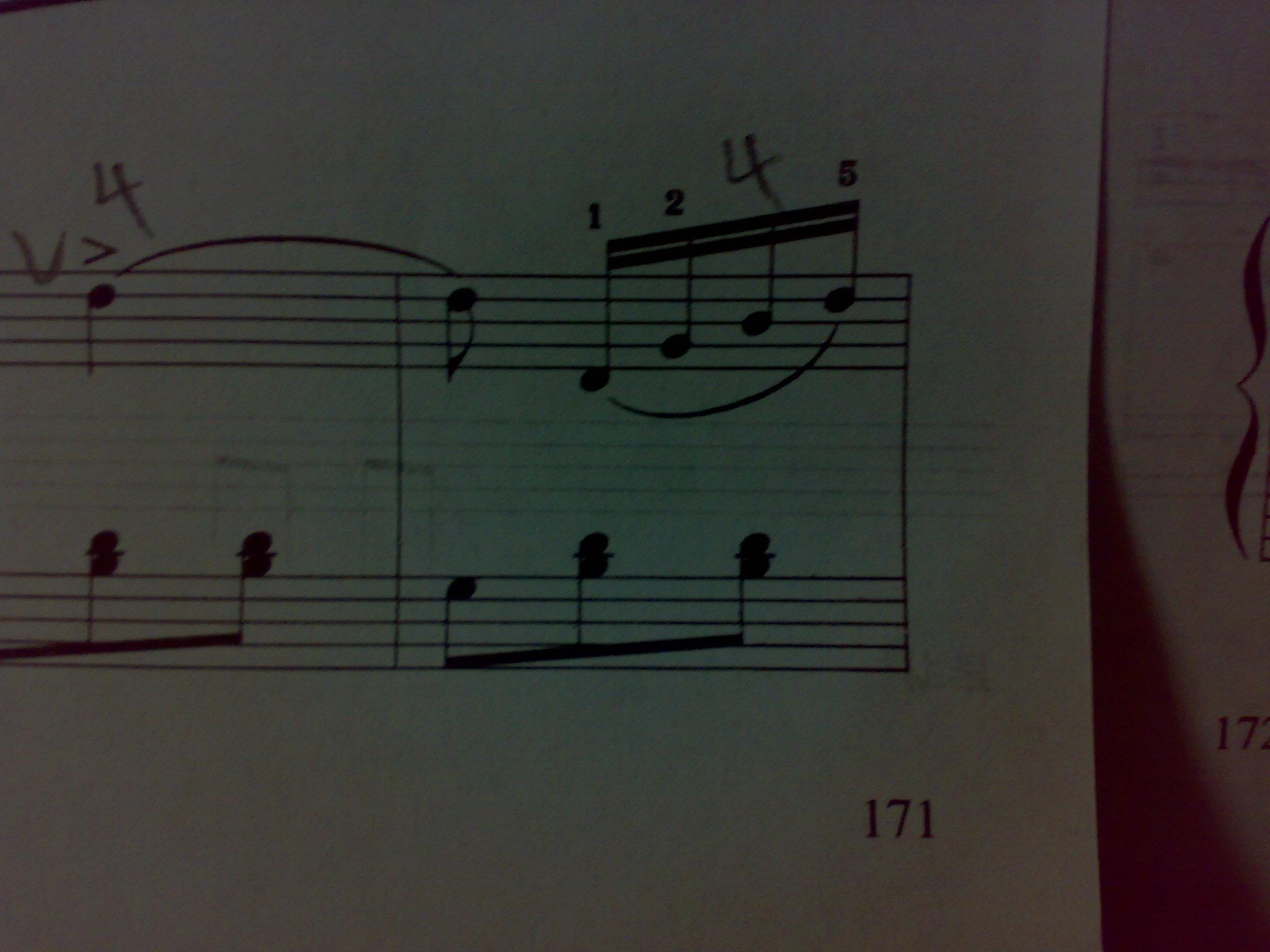 星光圆舞曲里面左右首都是2.没有括号怎么弹 还有左右手都是1.一个